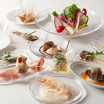 【乾杯ドリンク付】季節野菜のバーニャカウダと前菜小皿8品。その他のお料理は当日ご自由に。