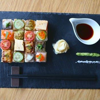 【週末ランチ限定】可愛さ倍増!ミニモザイク寿司16貫、あら汁、デザートなど全4品【渋谷の隠れ家で】