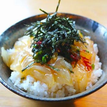 【ランチ限定】愛媛の郷土料理「宇和島鯛めし」を愉しむ!あら汁、デザートなど全4品【日本逆輸入店で】