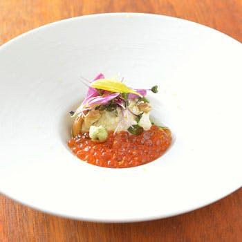【贅沢食材を心ゆくまで】和と洋を融合させた料理長お勧めのランチフルコースを静かな空間で・・・。
