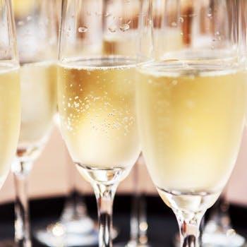 乾杯シャンパンから始る2時間飲み放題付プラン