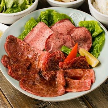 【肉の日】プラチナタン付!サラダ&スープはお替り自由!名物30日熟成タンなど8種のお肉を堪能