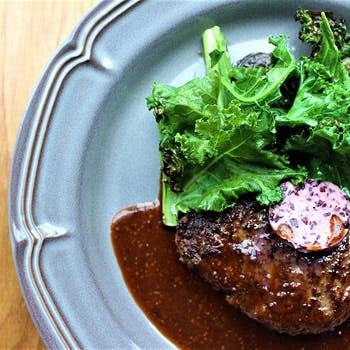 【乾杯スパークリング&アニバーサリーケーキ付】神内和牛あかのハンバーグや前菜3皿など豪華ランチ!