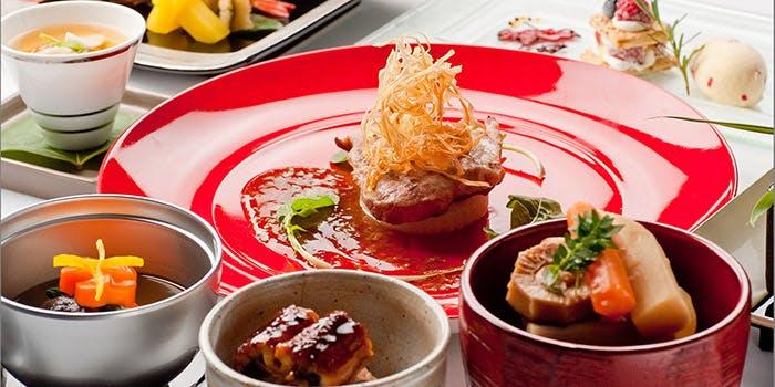 本場の沖縄料理が盛りだくさんのコース「尚会席」