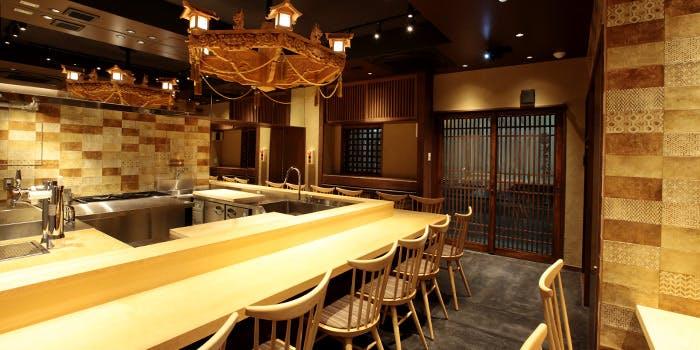 寿司の磯松のカウンター席