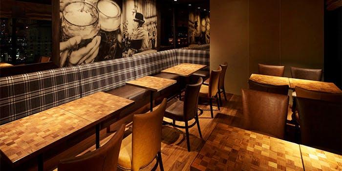 3位 イタリア料理・ビアバー・バル「クラフトビアハウスモルト 梅田店」の写真1