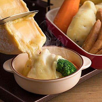 【冬のグルメバイキング×平日】国産&USローストビーフの食べ比べと、あつあつとろ〜りチーズ…
