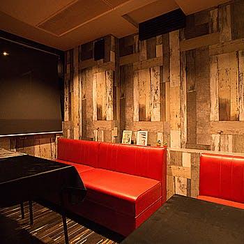 UMIバル 新宿店の写真