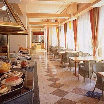 ALL DAY DINING POMODORO/ホテルヒューイット甲子園の写真