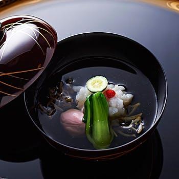 【お昼のコース】(金・土のみ) 先付、椀、造り、口代り、炊合せ、御飯、止椀、香の物、水菓子