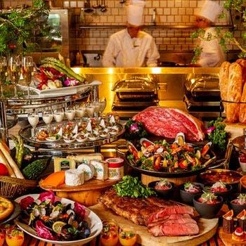 7・8月【日〜木限定】自慢のローストビーフや、デザートブッフェも!月替わりのディナーブッフェ約20種以上