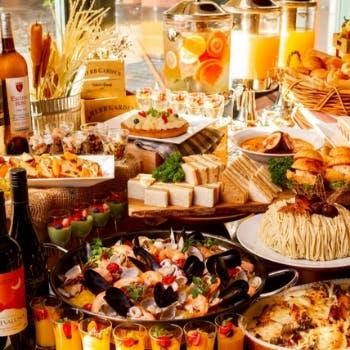 10月【平日限定】月替わりの自慢の料理、デザートブッフェも!ランチブッフェ約20種以上
