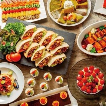 12月【平日限定】月替わりの自慢の料理、デザートブッフェも!ランチブッフェ約20種以上