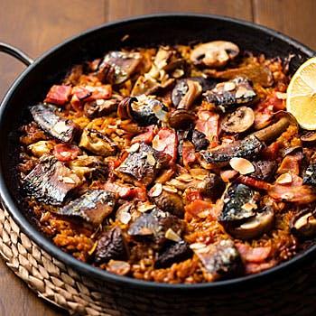 【ARROZ】イベリコ豚生ハム、タパス2種、肉料理、2品選べるパエリア&汁めし、デザートなど全9品