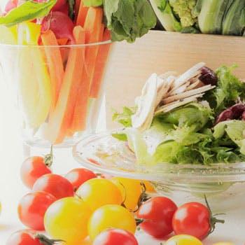 【サラダブッフェのみ】話題の「旬八青果店」のこだわり新鮮野菜を心ゆくまで!【ガーデンプレイス39F】