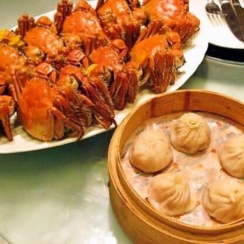 【タイムセール】銀座で旬の上海蟹、北京ダック、フカヒレ、絶品飲茶等13品贅沢コースに2時間飲み放題付!