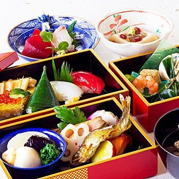 【寿司会席】前菜、5種お造り盛り合わせ、天婦羅 、寿司盛など全6品!四季折々の寿司会席をご堪能ください