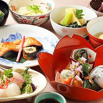 【京都】前菜、煮物椀、お造り、焼肴 、焚合せ、など全9品!伝統に培われた京の会席料理をご堪能ください!