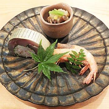 旬の滋味溢れる野菜や近海天然魚を使用した夜のおまかせコース 全8品