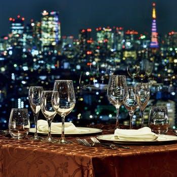 【Wメイン】地上126mの景色と共にホテルオークラの味をご堪能!真鯛のポワレ、牛サーロイン含む全5品