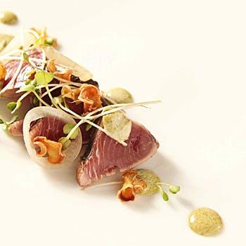 【一休限定】乾杯酒付!前菜、スープ、選べるメイン(お魚料理orお肉料理)、デザートの定番BOQUランチ