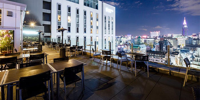 非日常の静寂に酔う!東京の人気ルーフトップバー14選の画像
