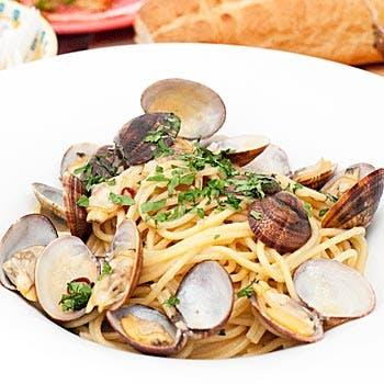 【贅沢パーティーコース】冷菜、温菜、パスタ、ピッツァ、メインはハンガーステーキ! デザートも含む全6品