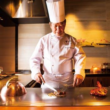 【紅花・神戸牛のスペシャルコース】オマール海老の蒸し焼きや魚介が愉しめる鉄板焼きランチ全7品