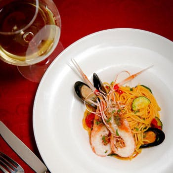【タイムセール】グランドオープン記念!スパークリング・白・赤ワイン3杯付!オマール海老含むフルコース