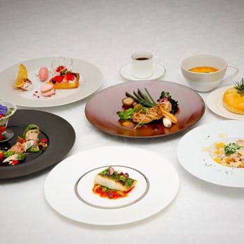 【乾杯スパークリング付】前菜盛り合わせ、パスタ、魚料理、肉料理、デザートの全5品<ビエッラ>