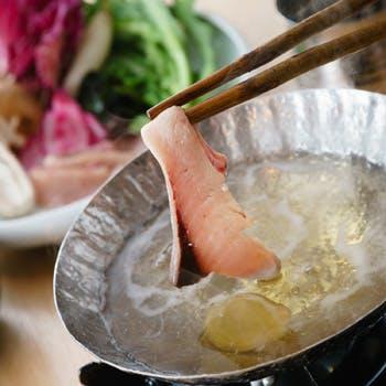 【乾杯スパークリング付】天然鮮魚&北海道産ささ豚をお好きな出汁でしゃぶしゃぶに!デザート含む全7品