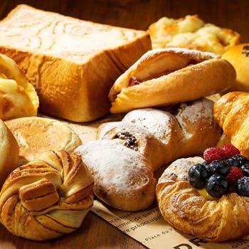【人気のパン5種のお土産付】12種の色とりどりのスイーツやお食事を堪能できるアフ…