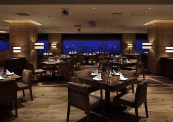 レストラングリルテーブル ウィズ スカイバー/ホテル クラウンパレス 神戸17階の写真