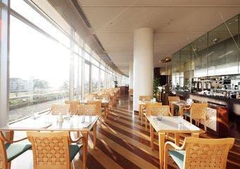レストラン ザ・ガーデン/琵琶湖ホテルの写真