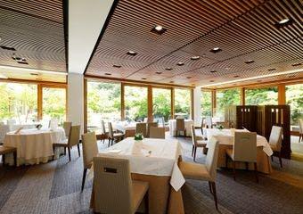 レストラン SAKURA/国際文化会館の写真