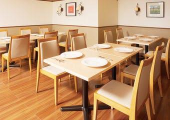 バイキングレストラン ヴェルデ/ホテル阪急エキスポパークの写真