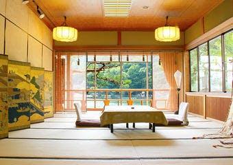 嵐山熊彦の写真