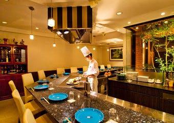 レストランとステーキハウスのお店 松尾 かも川の写真