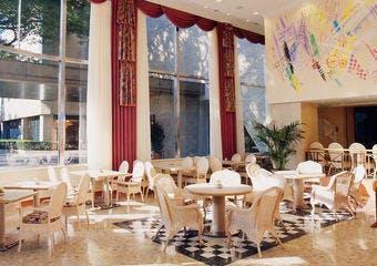 カフェレストラン ソラレス/宝塚ホテルの写真