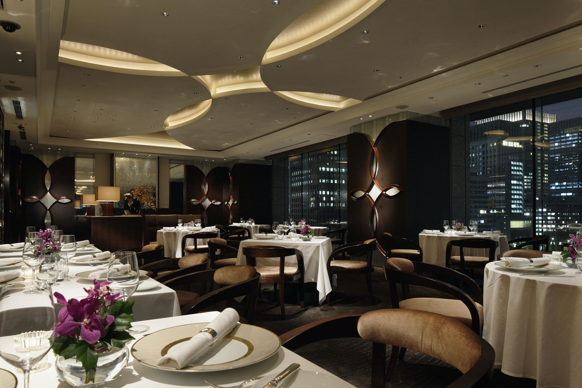 フランス料理 CROWN/パレスホテル東京