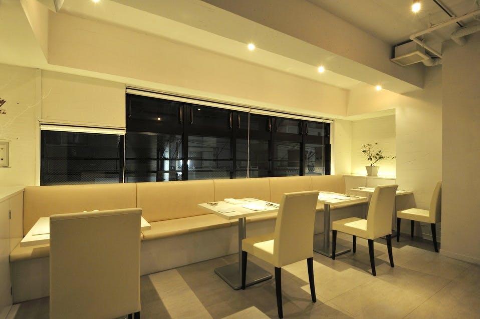 レストラン HK アッシュカー