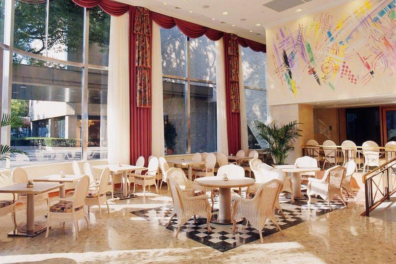 カフェレストラン ソラレス/宝塚ホテル